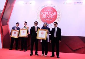 Revolusi Digital Antarkan Garda Oto Raih Indonesia Digital Popular Brand Award 2016