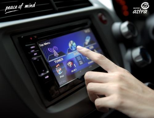 Tips Mendengarkan Musik Saat Mengemudikan Mobil