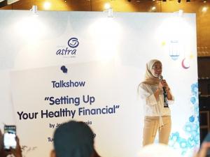 Financial advisor Jouska Indonesia, Dewi Syahputri saat memberikan tips mengenai perencanaan keuangan sehat.